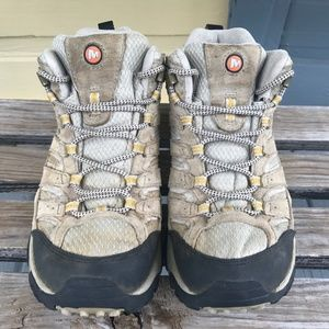Merrell Moab 2 Vent Mid Hiking Boot TAUPE